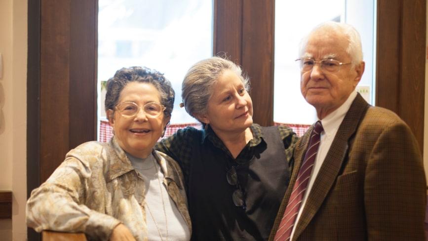 Inés, Pepe e Inés hija en Restaurante Zara